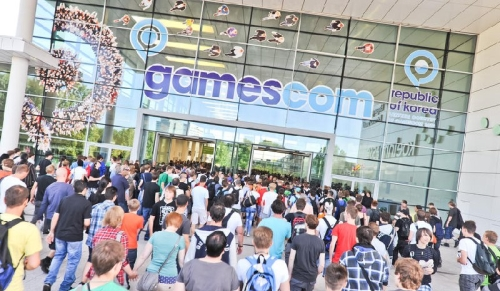 gamescom_entrance_crowds