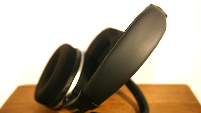 razer carcharis how to change ear cushion