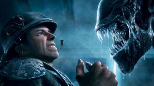 aliens_colon_marines_stare_off