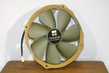 Thermalright 140mm fan