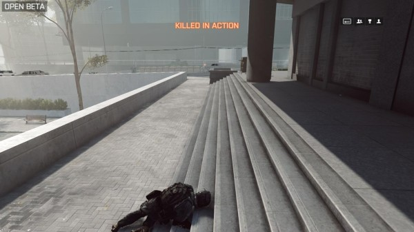 Doing stupid things and dying because of it has also returned to BF4. Landing on your face after falling 30 floors is bad. It's stupid because everyone has a parachute.