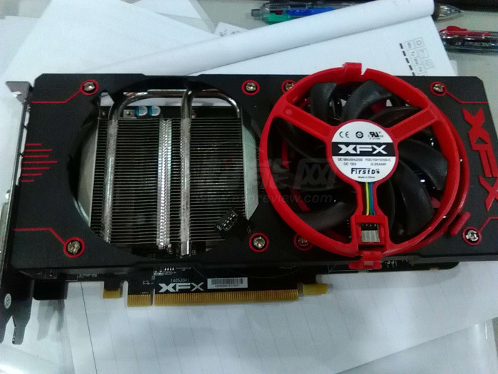 XFX-R9-380X-double-diss-front-2
