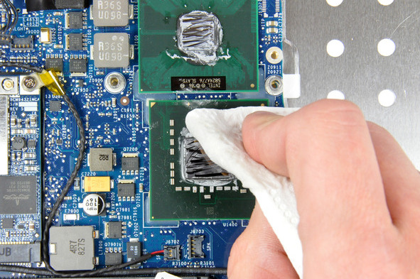 removing-thermal-paste